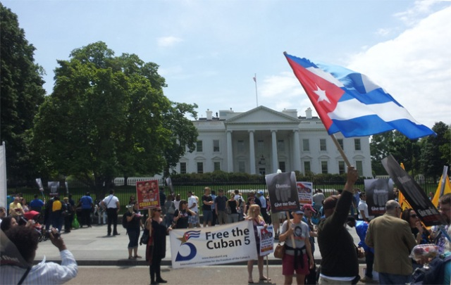 Protest in front of the White House for the Cuban 5